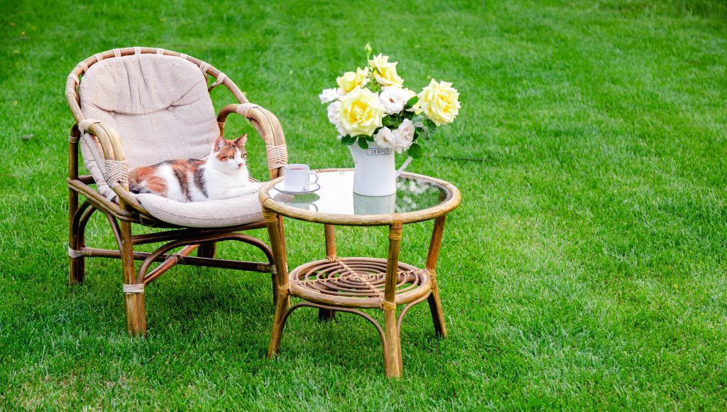 decorating outdoor living space