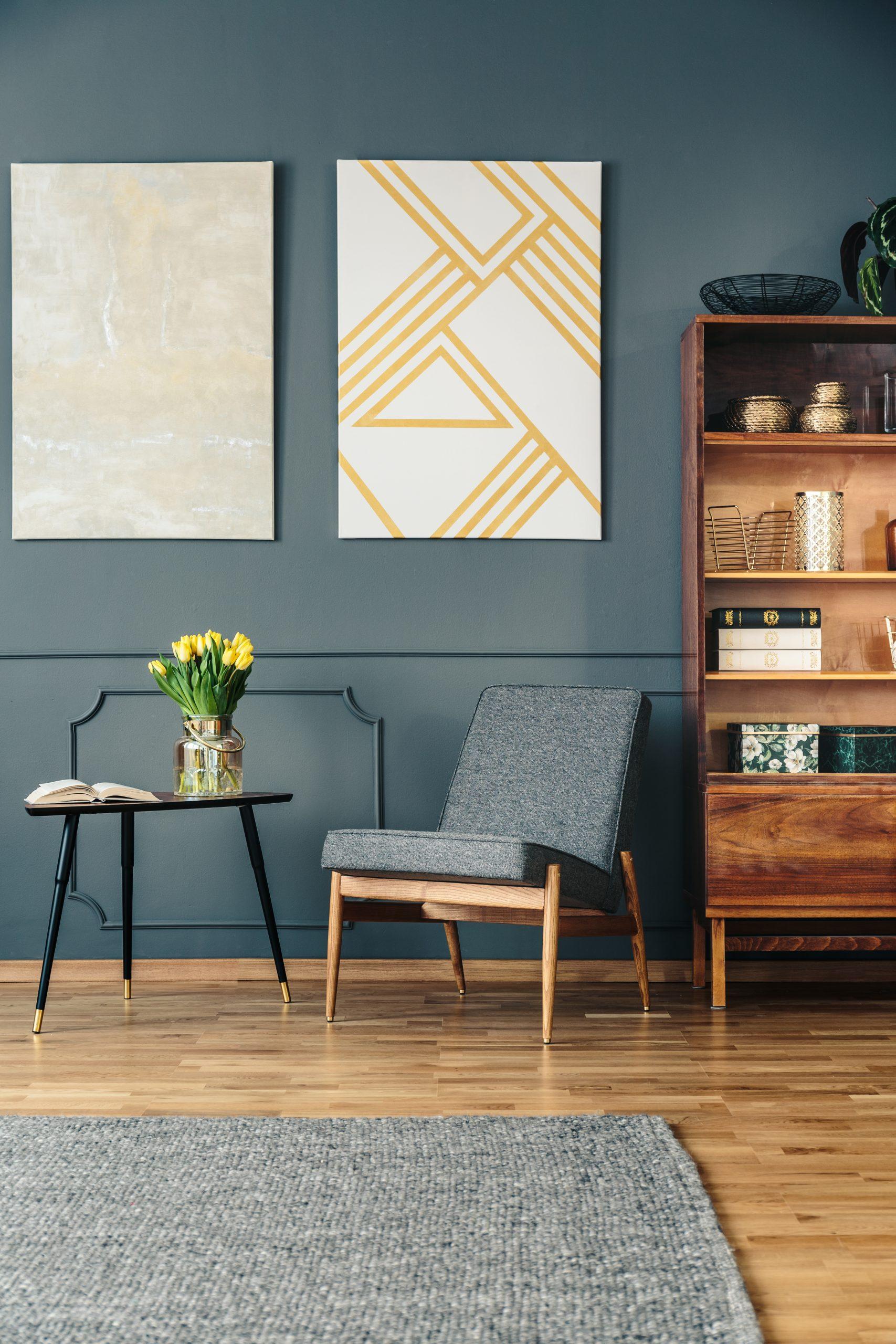 design empty corners in living room
